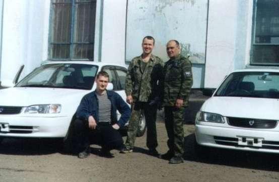 В Уссурийске на вокзале (Я, Алексей и Батя)