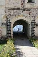 Выходим за монастырские стены
