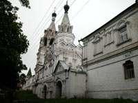 Троицкий монастырь со стороны Коммунистической ул.