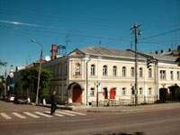 Здесь расположены службы краеведческого музея