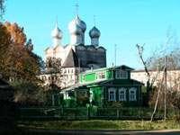 Южные ворота и надвратная церковь
