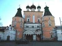 Северные ворота монастыря