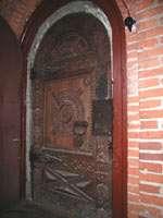 Входная дверь в палаты удельных князей