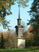 башня стены вокруг церкви