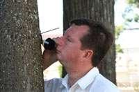 Трубка была присоединена прямо к дереву. Можно ли услышать зов природы? Проверяет Ваш покорный слуга