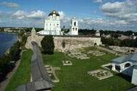 Кром и панорама Довмонтова города