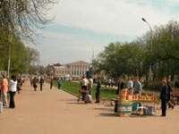 вид на Сусанинскую площадь от памятника Сусанину