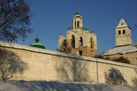 Вид на колокольню Спасо-Преображенского монастыря