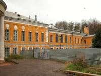 Главный дом со стороны двора