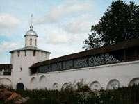 Стена монастыря