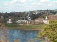 Вид с высокого берега на Успенский монастырь