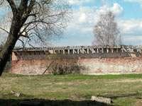 Остаток монастырской стены