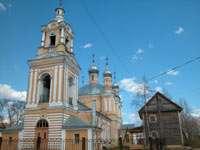 А это церковь при въезде в Старицу со стороны Твери