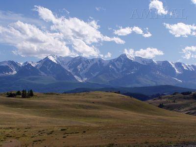 Панорама Южно-Чуйского хребта (Чуйская степь)
