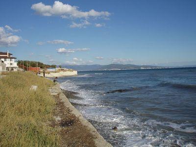 Мысхако. Поселок и море.