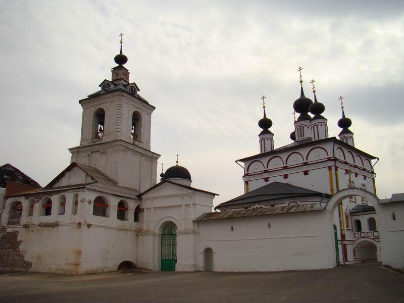 Свято-Троицкий Белопесоцкий монастырь Звонница