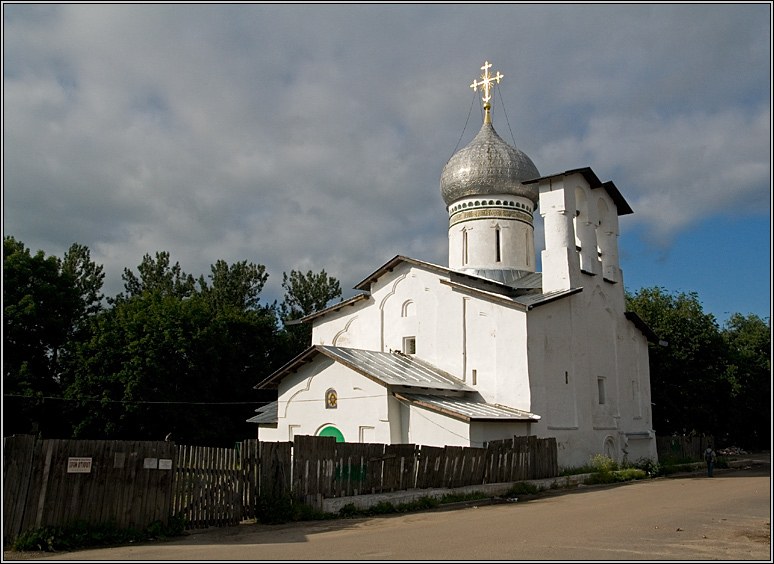 http://strusto.fotoplenka.users.photofile.ru/photo/strusto.fotoplenka/150100078/153624599.jpg