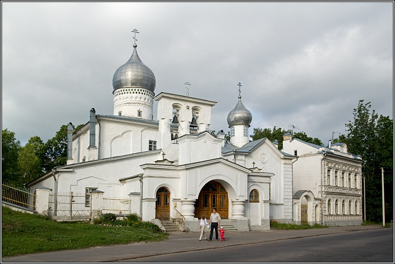 http://strusto.fotoplenka.users.photofile.ru/photo/strusto.fotoplenka/150100078/153624609.jpg