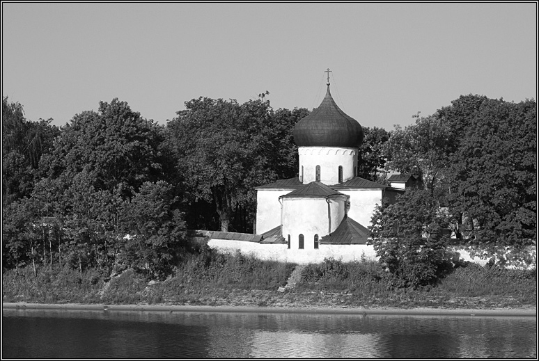 http://strusto.fotoplenka.users.photofile.ru/photo/strusto.fotoplenka/150100078/153659397.jpg
