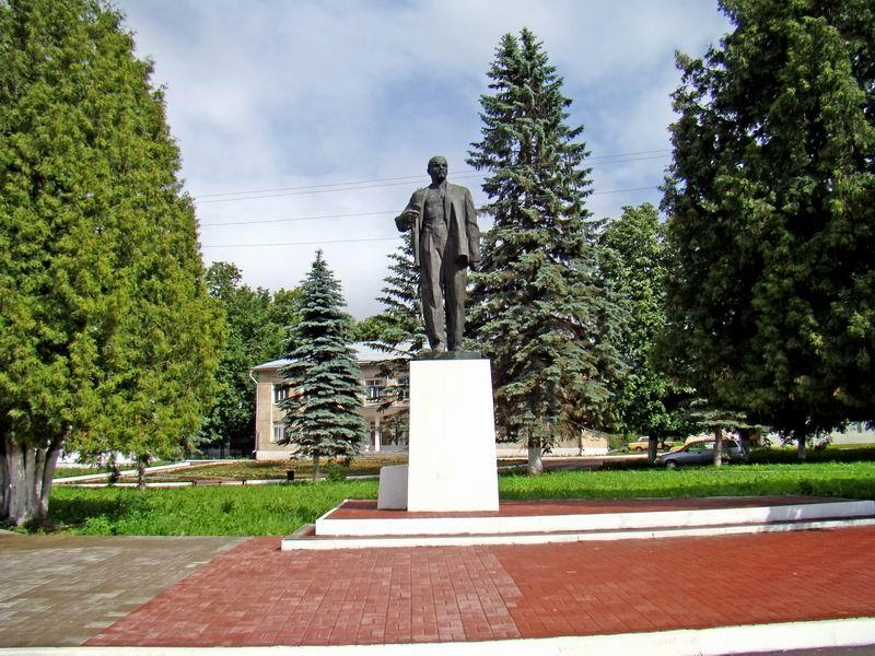 Таруса Памятник Ленину