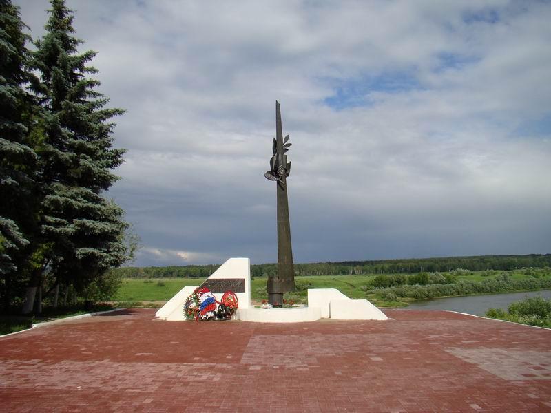 Таруса Памятник погибшим