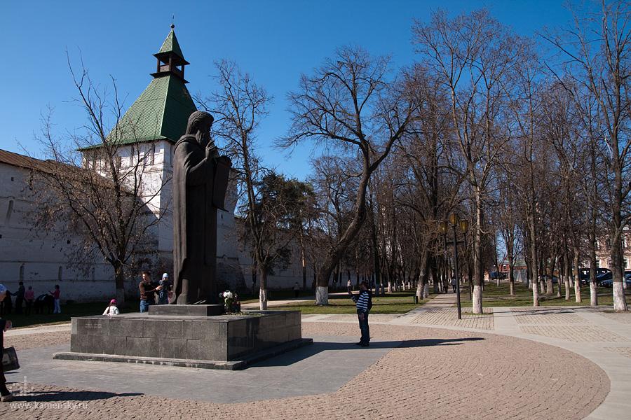 Памятник Преподобному Сергию, Игумену Радонежскому, Сергиев Посад