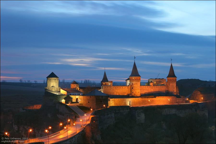 Каменец-Подольский, замок вечером