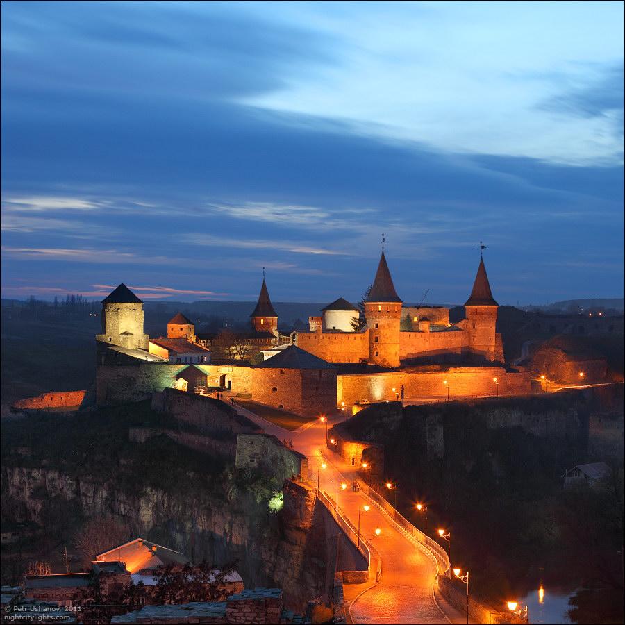 Каменец-Подольский, крепость вечером