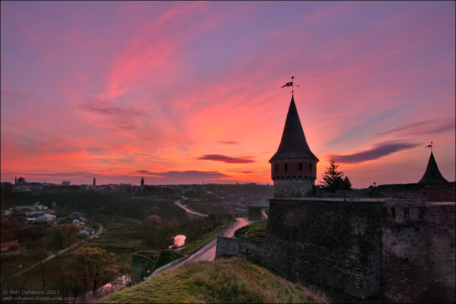 Каменец-Подольский, замок на рассвете