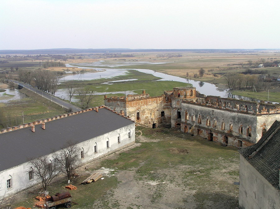 Замки и крепости Украины