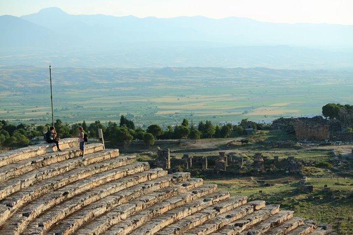 руины театра в Иераполисе